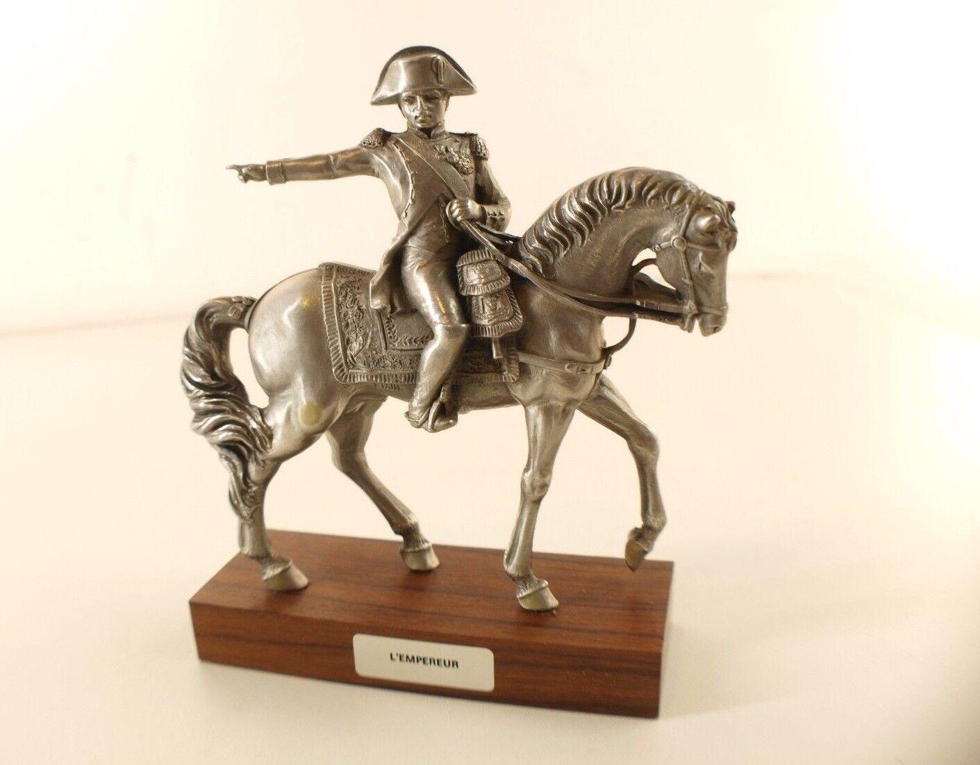 Die Dose mit der Prinz L'em Kaiser zu Pferde Napoleon Soldat Höhe 15,5 CM