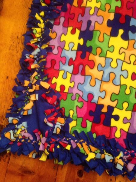 Vertrouwend Handmade Fleece Tie-blanket Novelty Multi Color Puzzle Blue 58x72 - 2 Layers