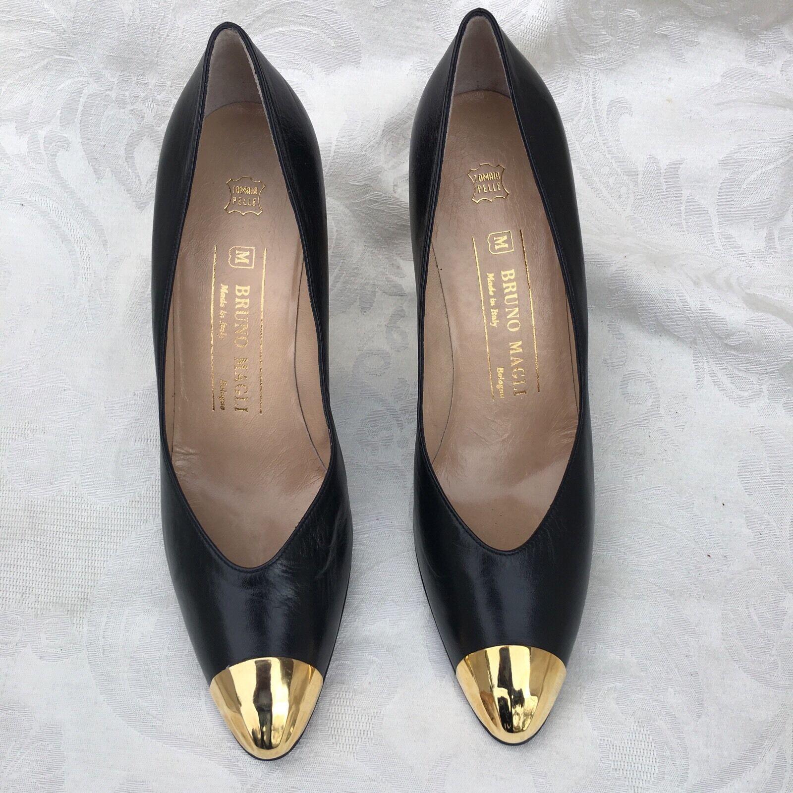 Nuevo Bruno Magli Hecho en Italia Bolonia Negro Negro Negro Cuero Bombas Tacones Zapatos 7.5 AA  solo cómpralo