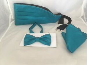 New/<GG/>Midnight Blue Mens Polyester Pre-tied Bow tie and Hankie Set /< New />