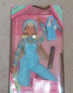 1997 Barbie Cool Couleurs Doll Boîte D'origine Jamais Ouverte.-afficher Le Titre D'origine Avoir à La Fois La Qualité De TéNacité Et De Dureté
