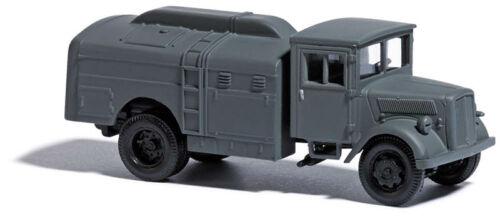 Busch 80060 H0 Fertigmodell 1:87 Military Edition Opel Tankwagen