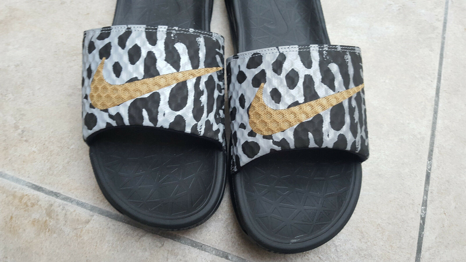 NEW NIKE BENASSI SOLARSOFT SLIDE 705476-020 SIZE PAIR 44. AIR MAX ONLY PAIR SIZE ON EBAY 2f915e
