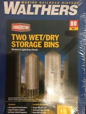 Walthers Cornerstone HO Scale Building//Structure Kit Wet//Dry Storage Bins