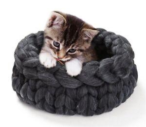Bed for cats cat basket pet bed basket bed knitted basket cat cozy cat bed chunky pet cozy cat basket small basket sleeping basket Christmas
