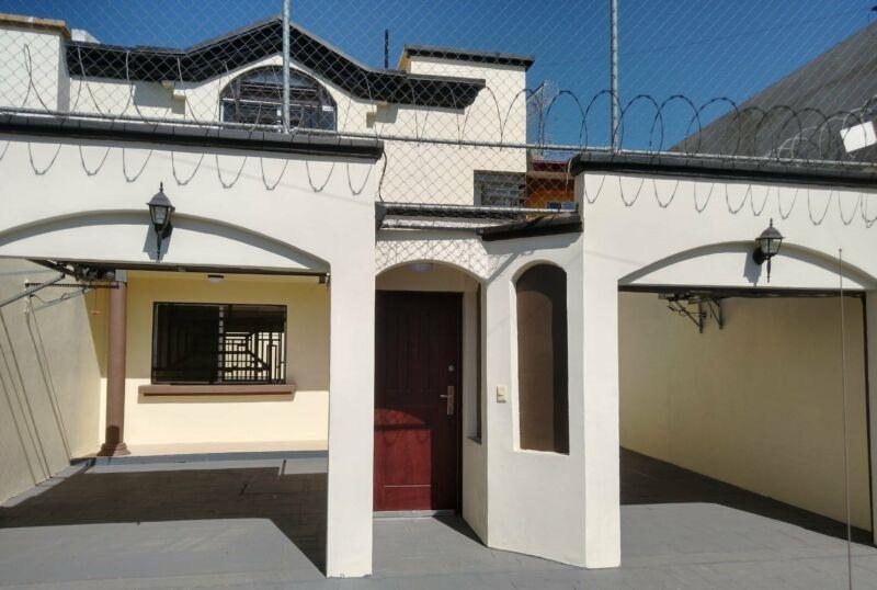 Casa en RENTA en BLVD. GARITA DE OTAY Detallada completamente muy bonita y segura, $1,400.00DLLS