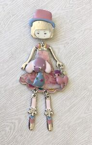 Adorable-Girl-dog-cat-with-movable-legs-Pin-Brooch-in-enamel-on-Metal
