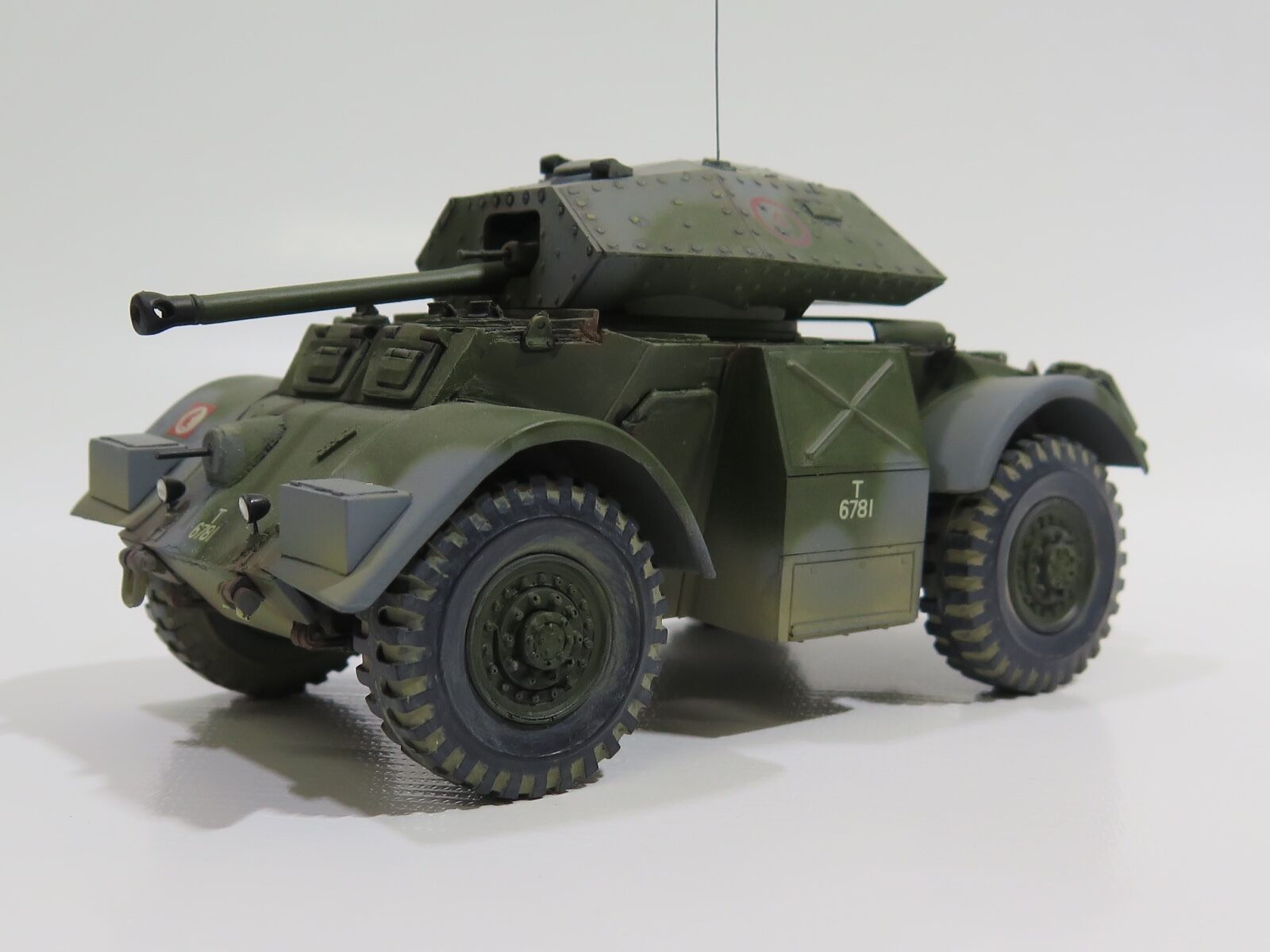 MY2021 - 1 35 PRO BUILT - Resin Accurate Armor British Staghound Mk.III Armoruge