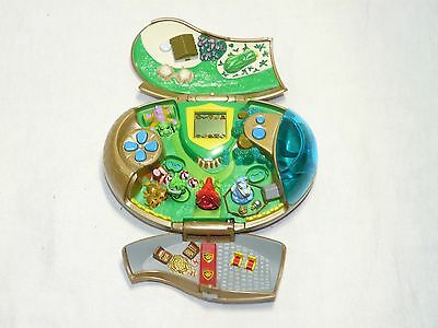 Neopets Meridell Deluxe Portable Pocket Player Electronic Game 2003 w/ 3 Figures