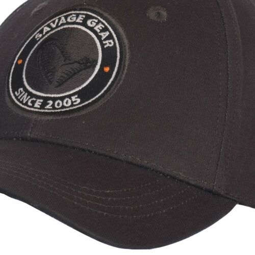 SAVAGE GEAR Simply Savage Badge Cap Base Cap Kappe Mütze 57052