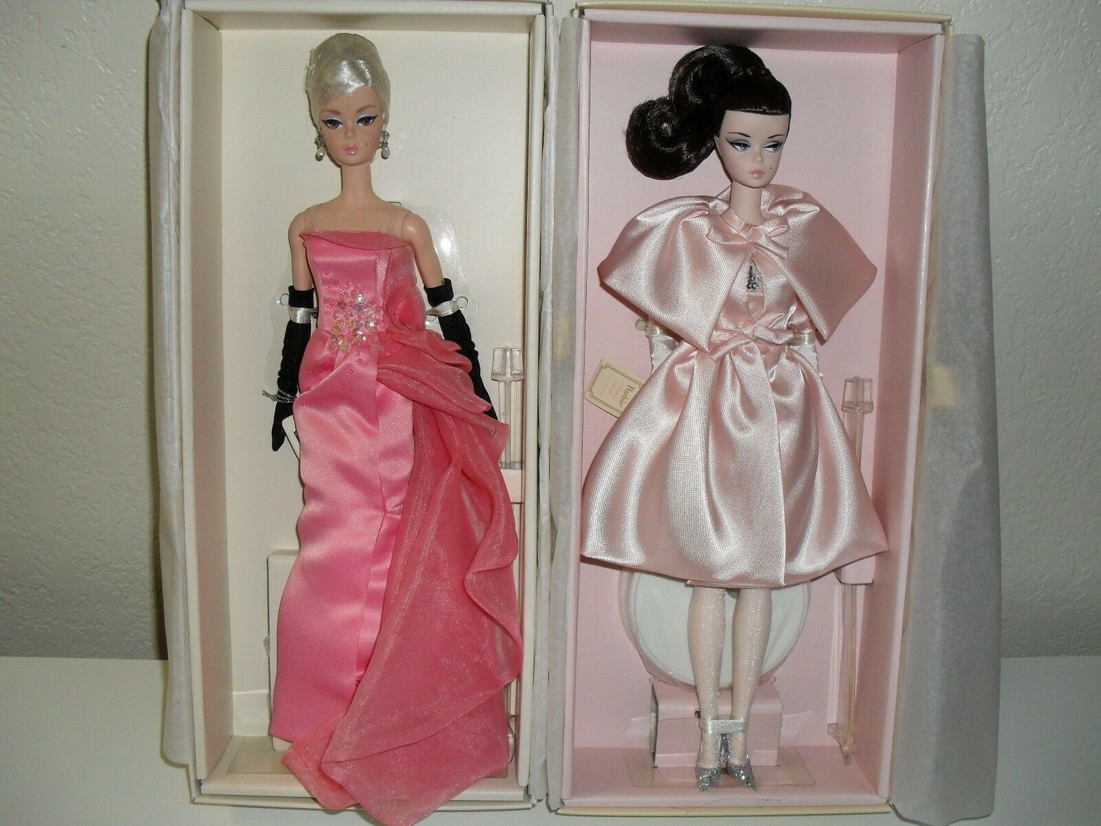 BlauSH BEAUTY AND GLAM GOWN SILKSONE FAN CLUB EXCLUSIVES BARBIE Gold LABEL