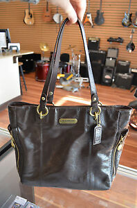 Coach-Brown-Patent-Leather-North-South-Gallery-Shoulder-Tote-Bag-F20432