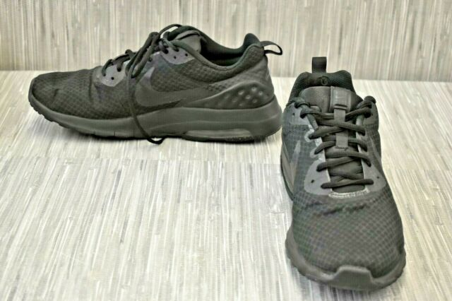 Size 11 - Nike Air Max Motion LW Black