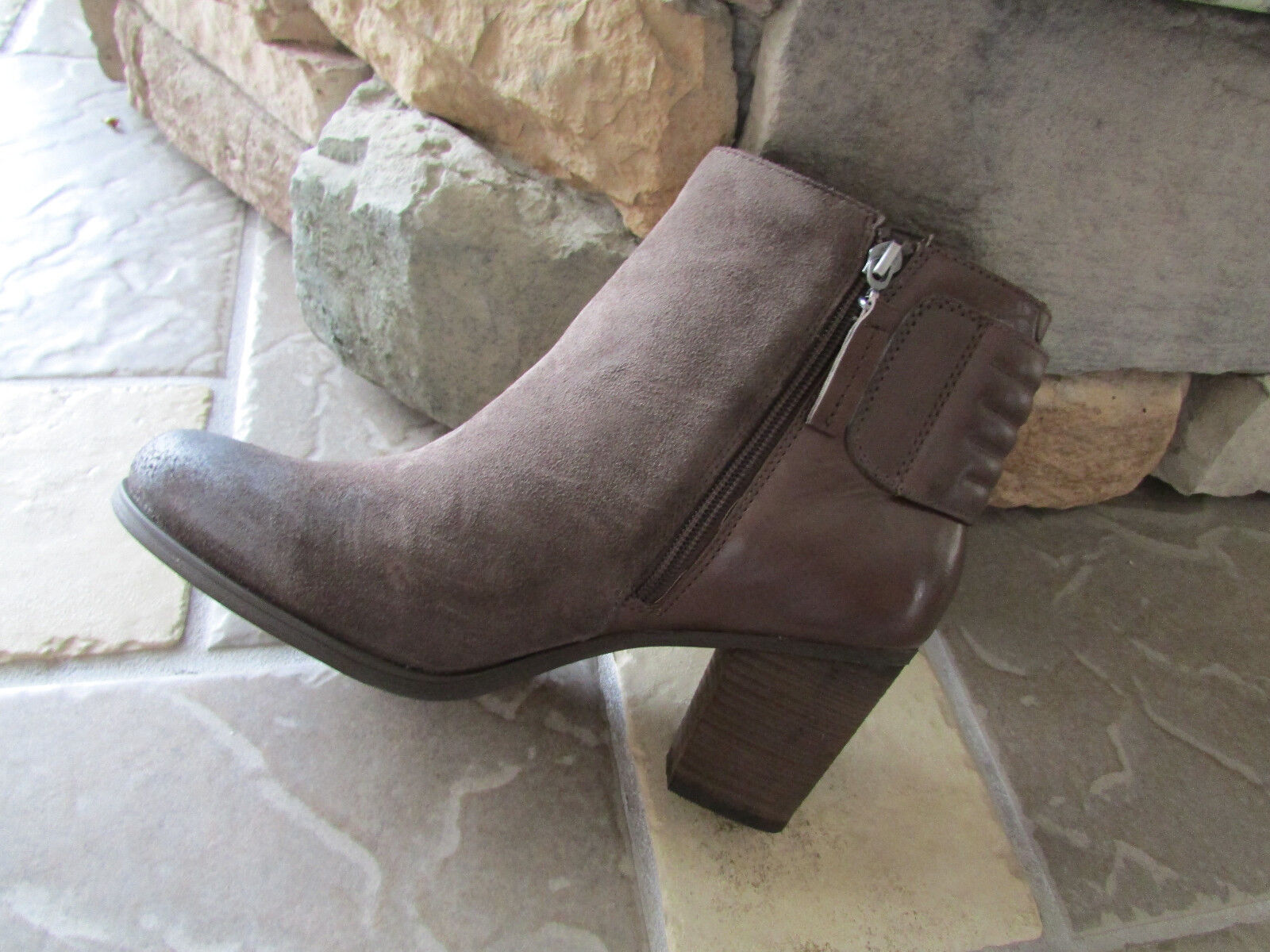 NEW CLARKS PALMA RYLIE TAUPE SUEDE LEATHER ANKLE BOOTS WOMENS 10 BOOTIES 10635