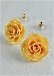 Real-Tiny-Rose-Flower-Post-Earrings-in-Gift-Box-Creamy-White-Open-Blossoms