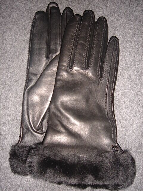 8f91f6da7ab UGG Australia Classic Leather Black Smart Tech Gloves Cashmere Blend Size M