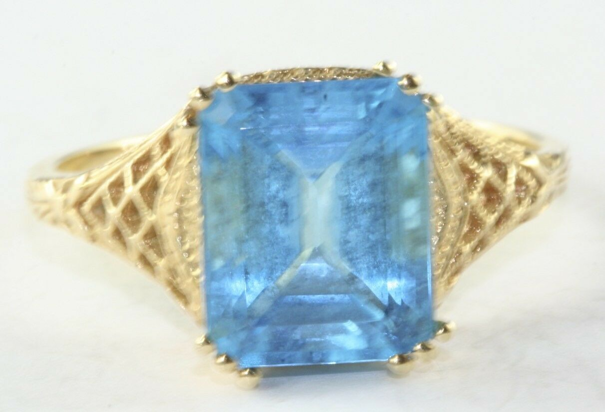 CONTEMPORARY 14K G0LD 4 CARAT SWISS blueE TOPAZ SOLITAIRE LADIES RING SIZE 10.25