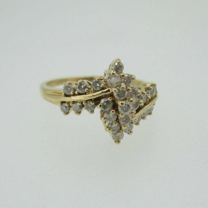 14k Yellow gold Diamond Cluster Fashion Ring Size 6 1 4