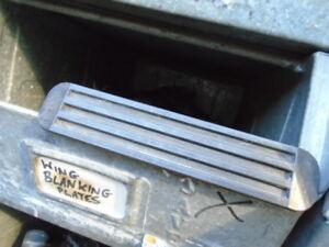 TRIUMPH TR7 TR8 ** Placa de supresión de ala trasera-Usado En Buen Estado ** ZKC1454
