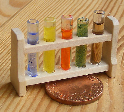 Échelle 1:12 Set de 5 remplis de tubes à essai tumdee maison de poupées CHIMISTE Laboratoire