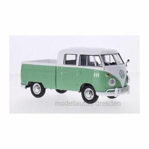 MOTORMAX-79343-Volkswagen-Type-2-T1-Crew-Cabin-White-Green-Scale-1-24-New