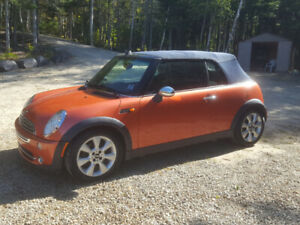 2005 Mini Cooper Convertible 5 speed Special Edition