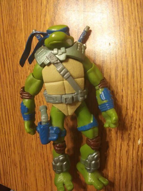 Playmates Teenage Mutant Ninja Turtles Tmnt Alien Hunter Leonardo