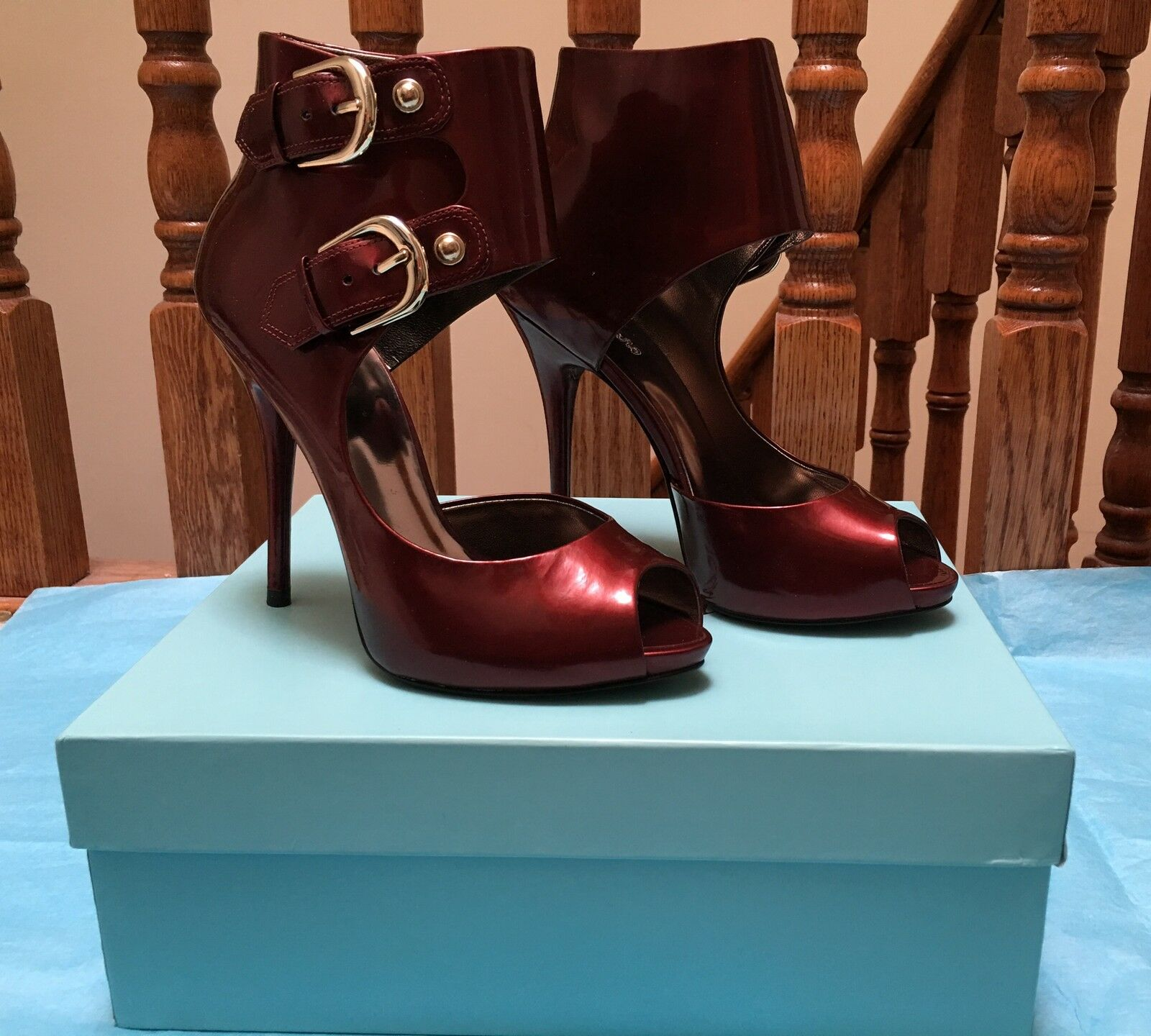 NIB 285 MARCIANO GUESS TAM DARK ROT Schuhe SIZE 10 HOT    LAST1