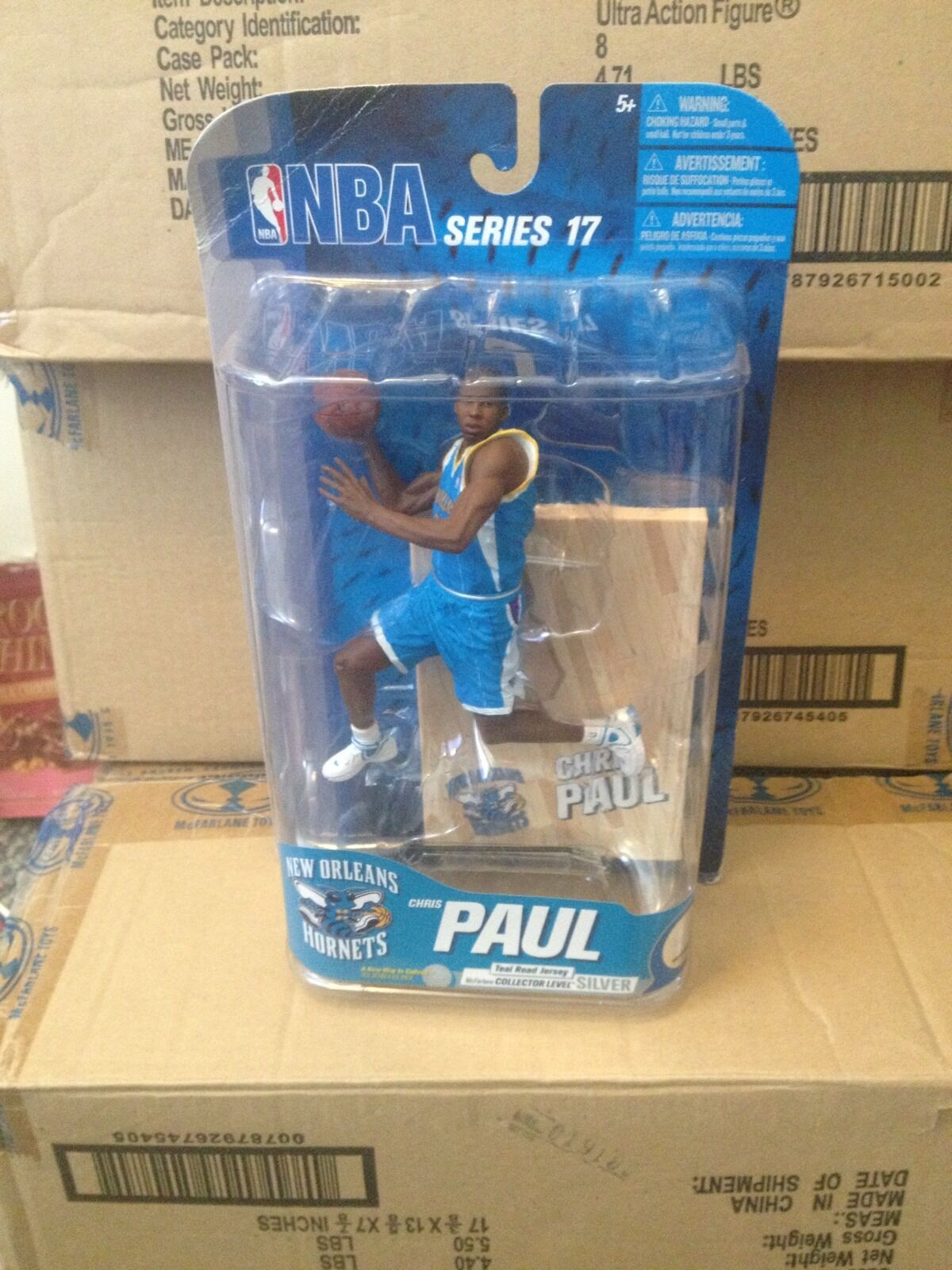 McFARLANE NBA 17 CHRIS PAUL VARIANT COLLECTORS LEVEL CHASE HORNETS FIGURE