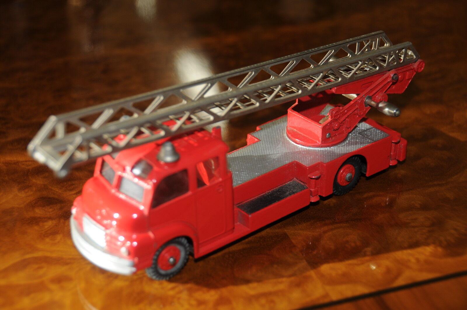 Vintage Dinky Supertoys Nuevo Placa Giratoria Fire Escape Escalera Camión N º
