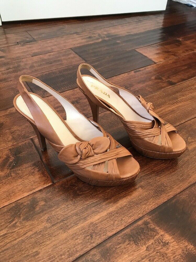 Prada Tan Leather Leather Leather Peep Toe Slingback Heels, Size 8.5 (US) 38.5 (EU) 00c955