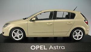 MINICHAMPS-OPEL-Astra-H-5-tuerig-beige-1-43-NEU-in-OVP-Modellauto