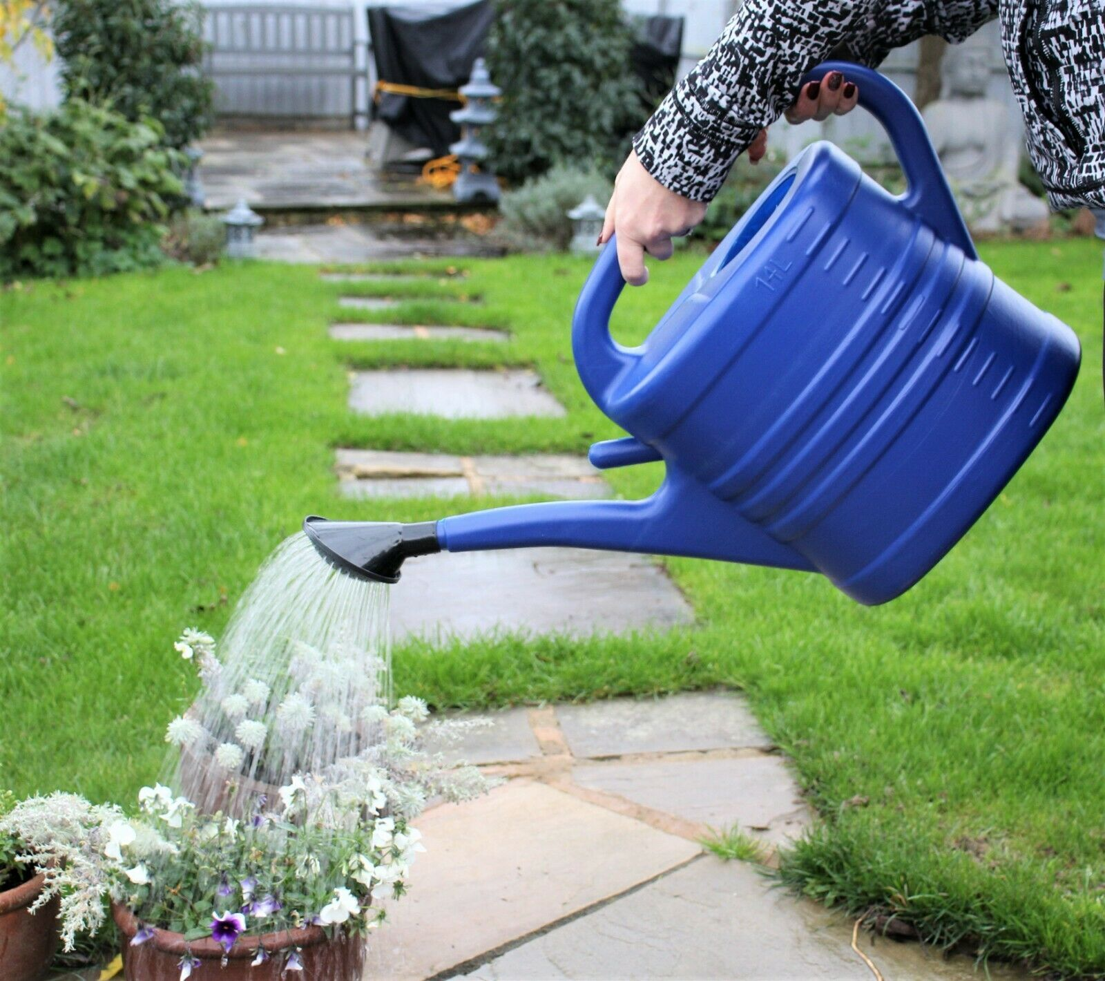 Watering Can With Rose Large - Blue 2.5 Gallons 14L