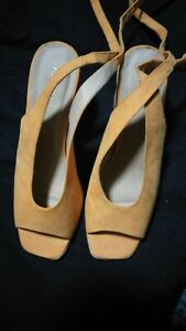 Glassons Ladies Shoes Twisties Size 7 Block Heel by Glassons