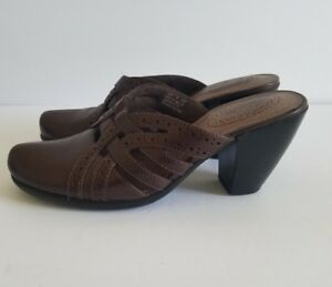 df7967d6e2d2a CLARKS Womens MULES HEELS Dark Brown Leather Clogs Size 7 M  72289 ...