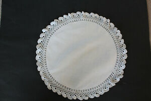 Vintage-white-linen-round-cloth-with-embossed-dots-and-crochet-edges