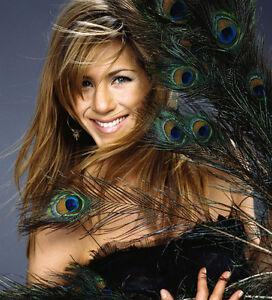 Jennifer-Aniston-UNSIGNED-photo-H1863-STUNNING