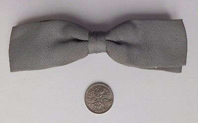 Grey vintage bow tie 1960s 1970s clip-on ready tied clasp