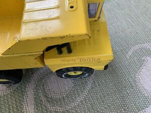 Tonka-Truck-Mighty-Dump-Truck-Dump-Bed-Vintage-70s-Toy-1970s-18inch