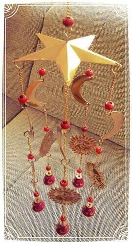 Magenta Mobile Windspiel Klangspiel Glocken Rot Dekoration Sonne Mond Sterne