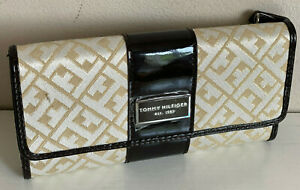 NEW-TOMMY-HILFIGER-GOLD-YELLOW-CHECKBOOK-CLUTCH-PURSE-WALLET-PURSE-SALE