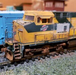 Athearn-C-amp-NW-dash-9-44cw-weathered-locomotive-engine-HO-DC-DCC-ready-c44-9w