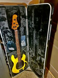 Ernie Ball Music Man StingRay Special 4 H - HD Yellow - Roasted Maple Fretboard
