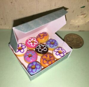 CUTE-DOLLHOUSE-Mini-Food-9-x-ICED-RING-DONUTS-in-BOX-for-BARBIE-PARTY