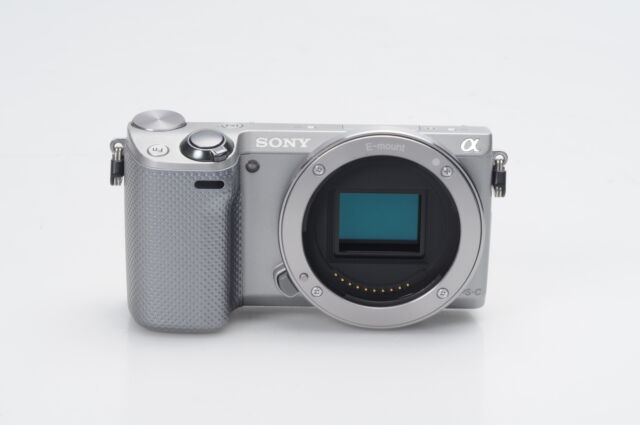 Sony Alpha NEX-5R 16.1MP Mirrorless Digital Camera Body #210