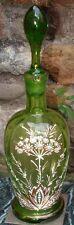 Carafe ancienne en verre émaillé