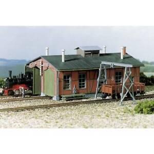 Deposito-locomotive-a-due-ingressi-con-carroponte-auhagen-11-355-h0
