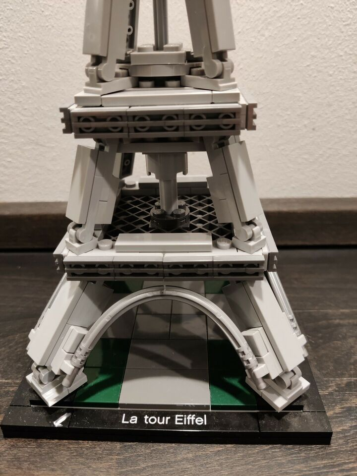 Lego Architecture, The Eiffel Tower