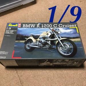 Revell-BMW-R-1200-C-Cruiser-1-9-Model-Kit-11118