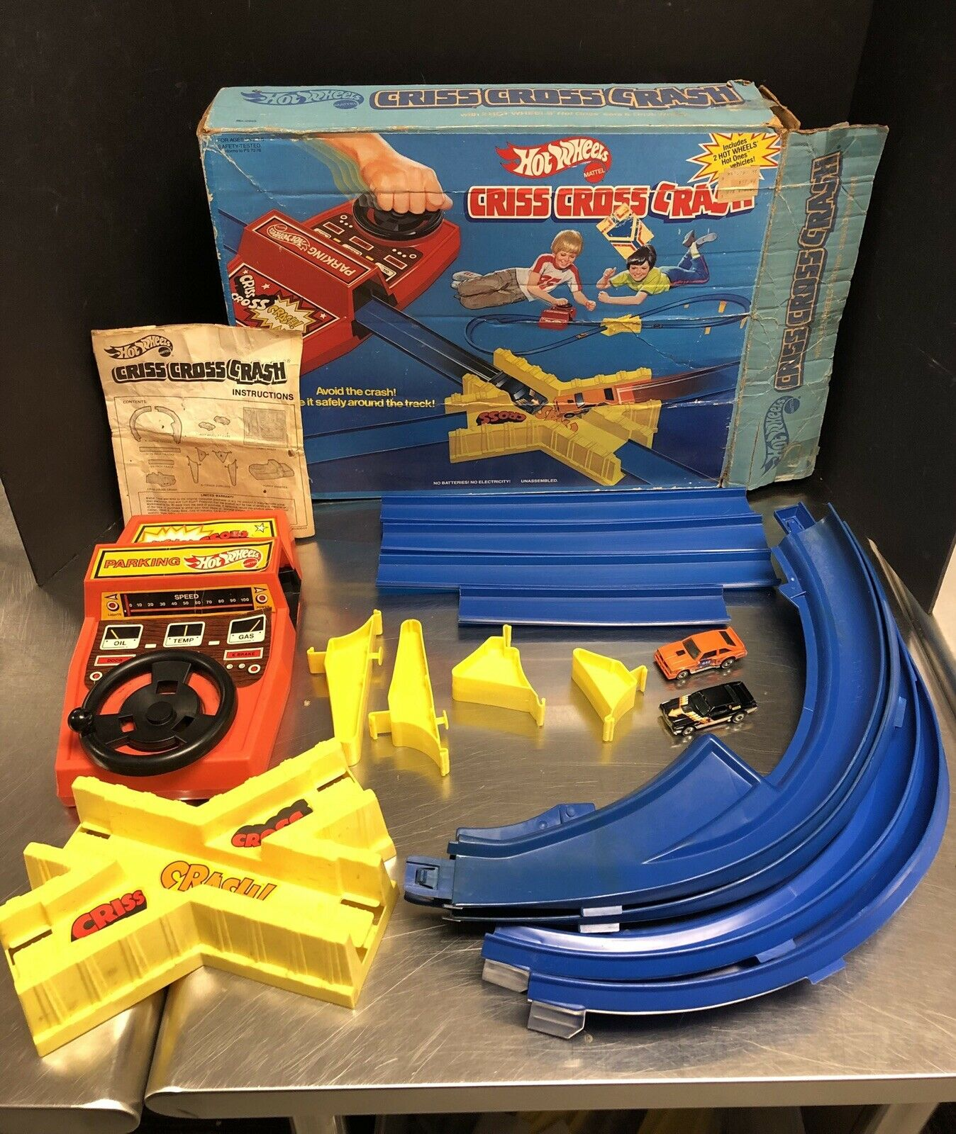 Hot Wheels Vintage 1978 Criss Cross Crash Set Near Complete EM4174